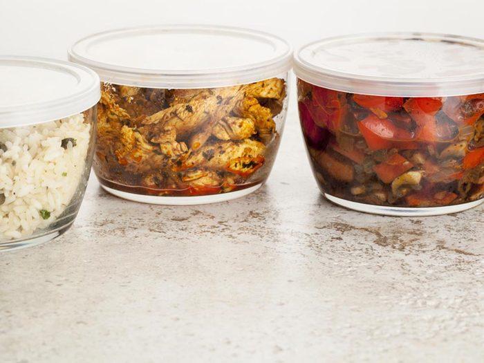 Pour cuisiner rapidement, préparez des repas d'avance.