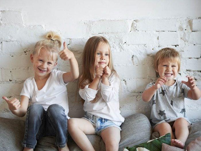 L'enfant du milieu est un bon médiateur.