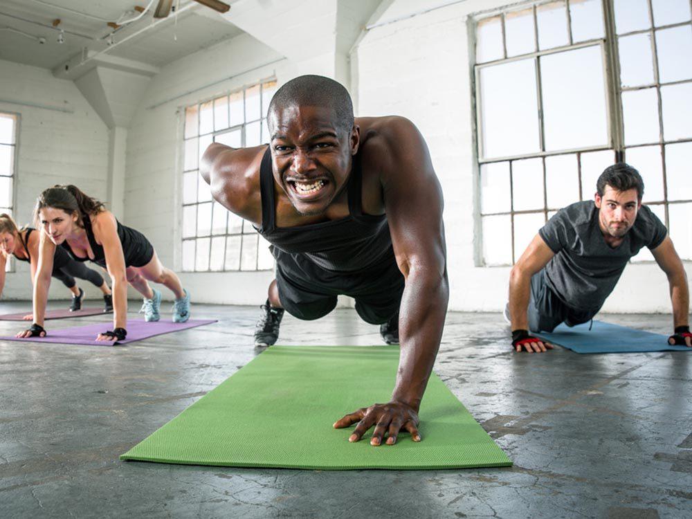 Evitez d'engraisser en changeant votre routine.