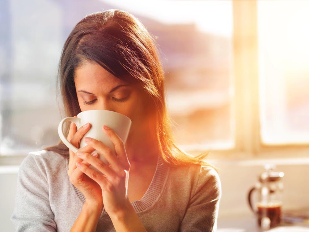La fatigue se fera moins sentir en buvant plus de café.