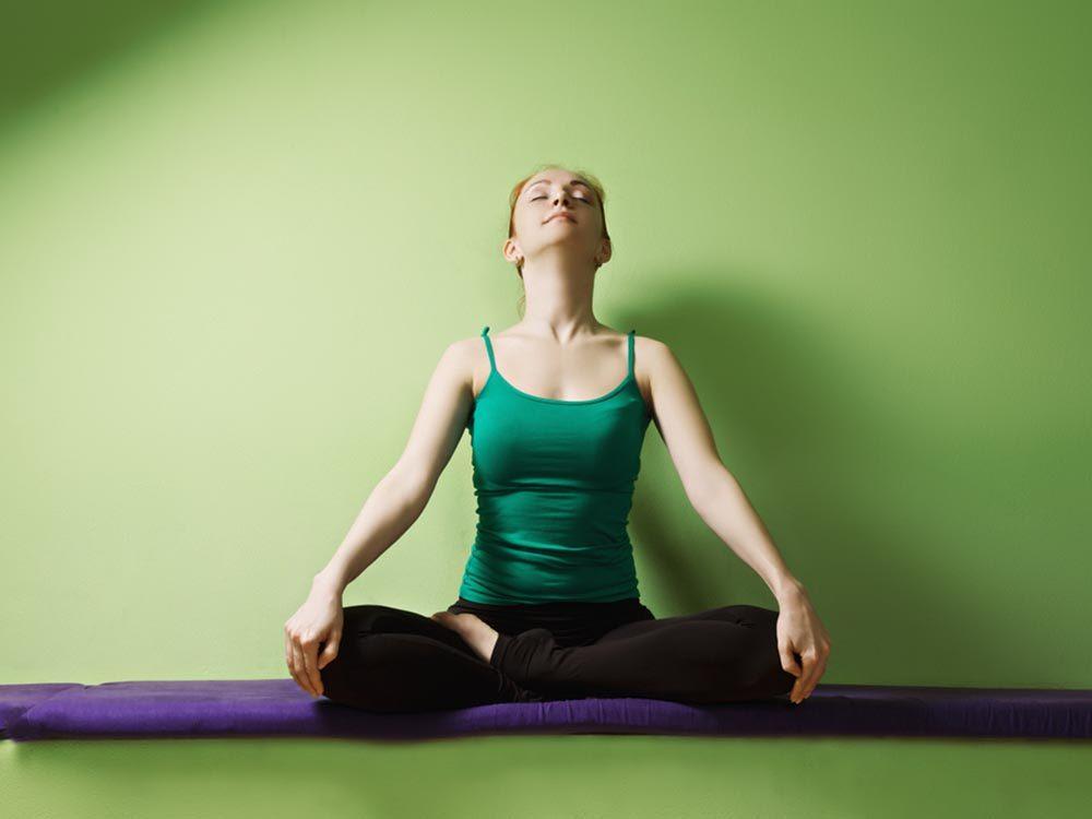 Pour faire le plein d'énergie et lutter contre la fatigue, prenez de grandes respirations.