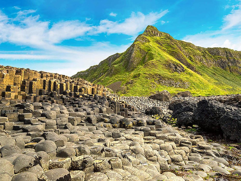 Formation rocheuse à vois absolument: Giant's Causeway.