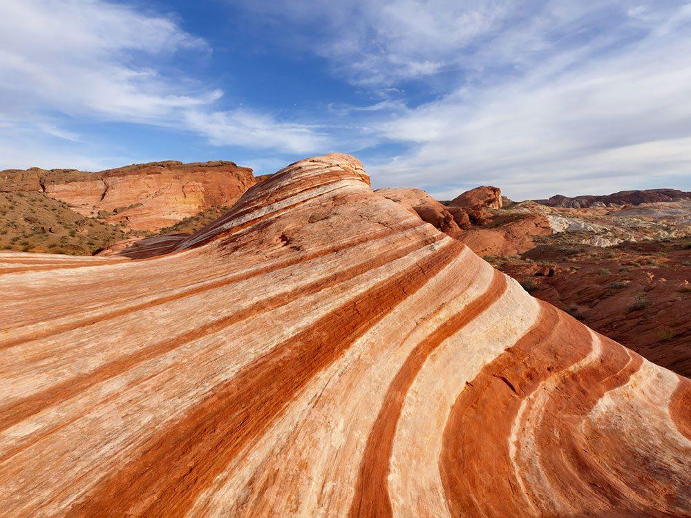 Le parc d'État de la Vallée de feu au Nevada est l'une des plus belles formations rocheuses naturelles à travers le monde.
