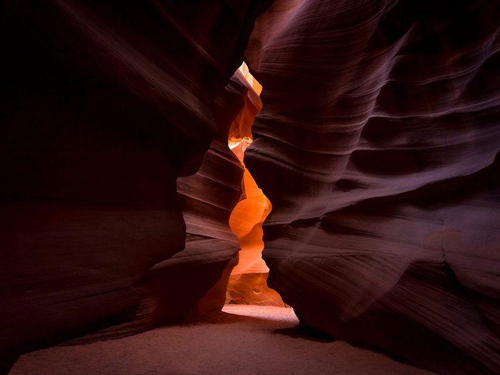Antelope Canyon en Arizona est l'une des plus belles formations rocheuses naturelles à travers le monde.