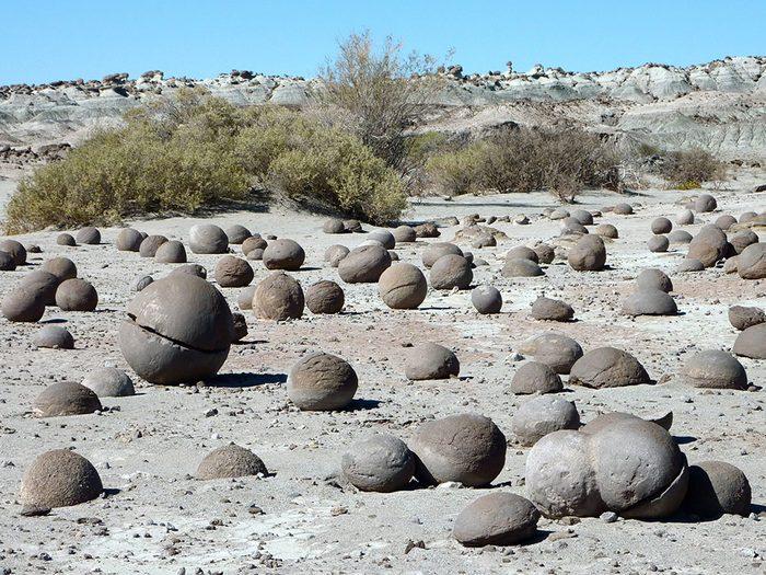 La Vallée de la Lune en Argentine est l'une des plus belles formations rocheuses naturelles à travers le monde.