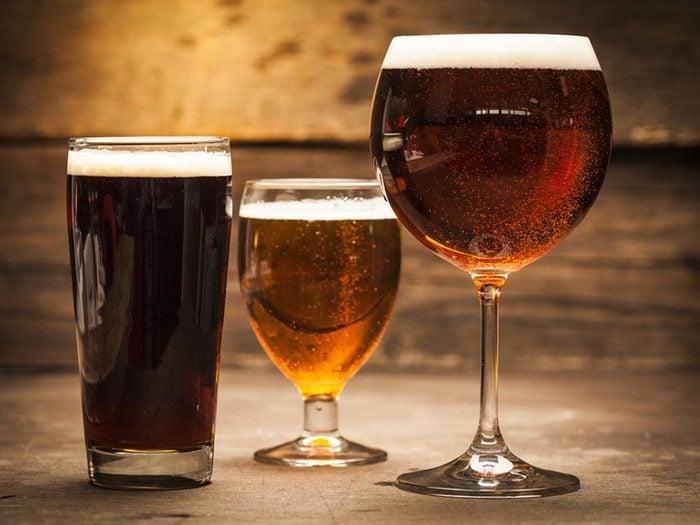 Si vous souffrez de la goutte, évitez les levures, notamment la bière.