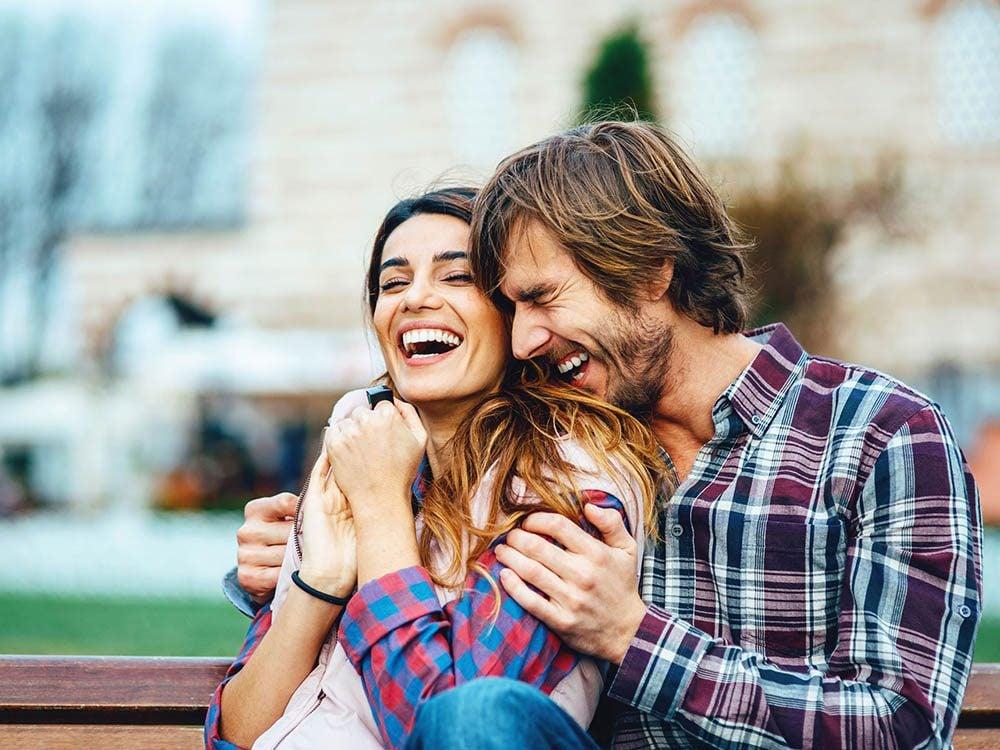 Leçons de bonheur: il est plus facile d'être heureux en couple que seul.