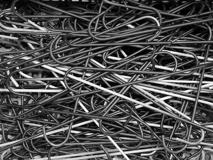 Astuces pour la maison: Des crochets en S pour votre tablette de nettoyage
