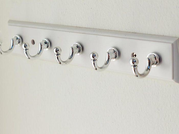 Maison: maximisez le rangement derrière une porte.
