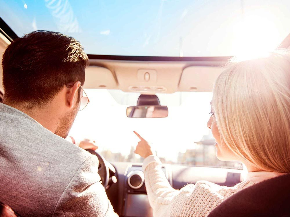 Des malfaiteurs stupides oublies le GPS dans la voiture.