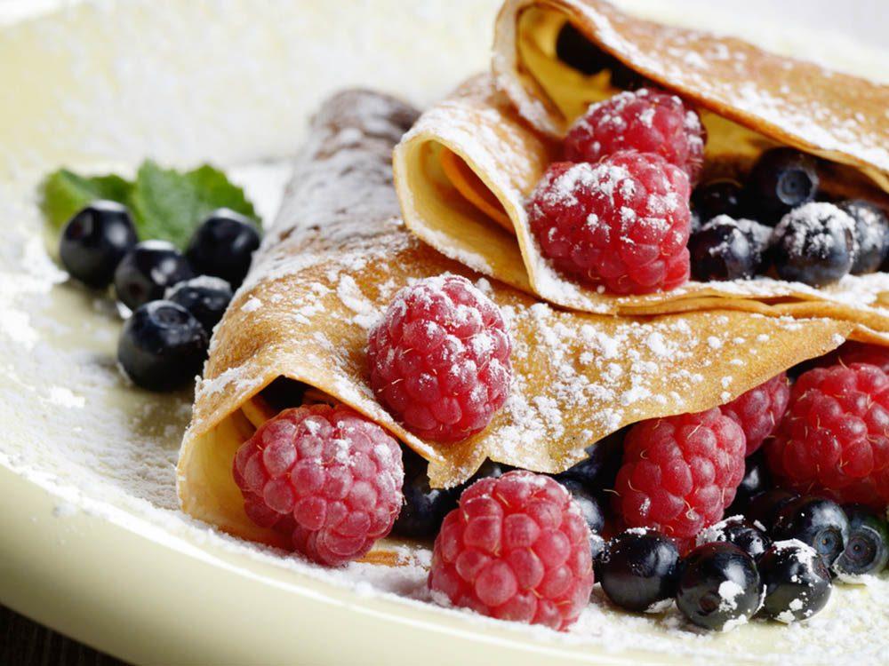 Pour manger des fruits plus souvent, ajoutez-en à vos crêpes.