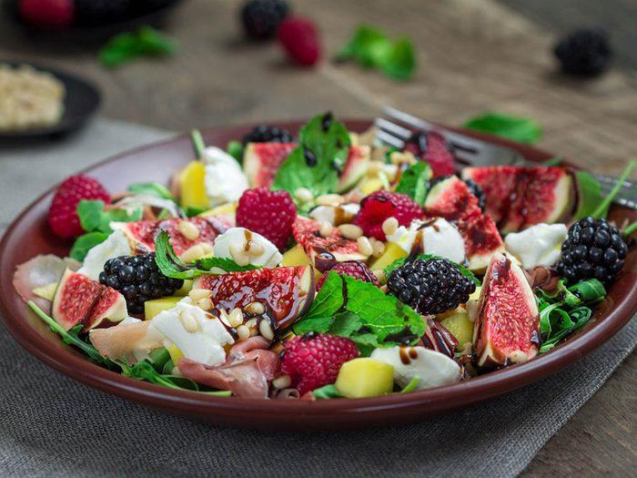 Pour manger des fruits plus souvent, commandez-en au restaurant.