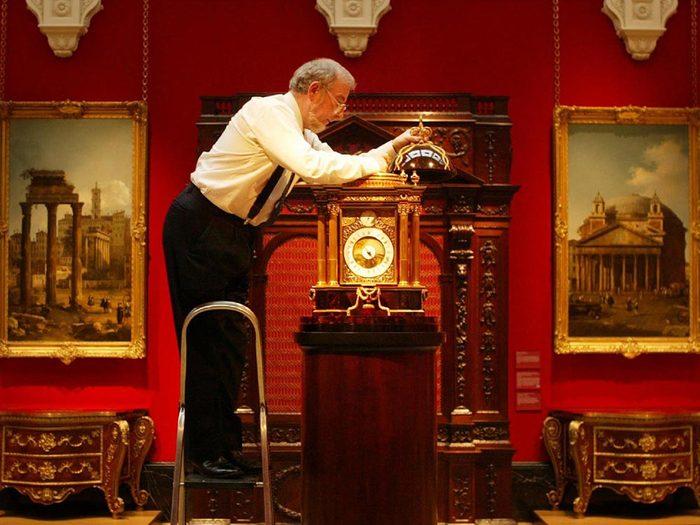 Métiers royaux: Curateur royal des horloges.