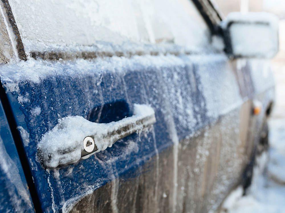 Mythe sur l'automobile: en hiver,il faut chauffer la voiture avant de démarrer.