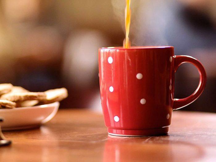 Mythe: boire du café ou du thé peut diminuer votre risque de cancer.