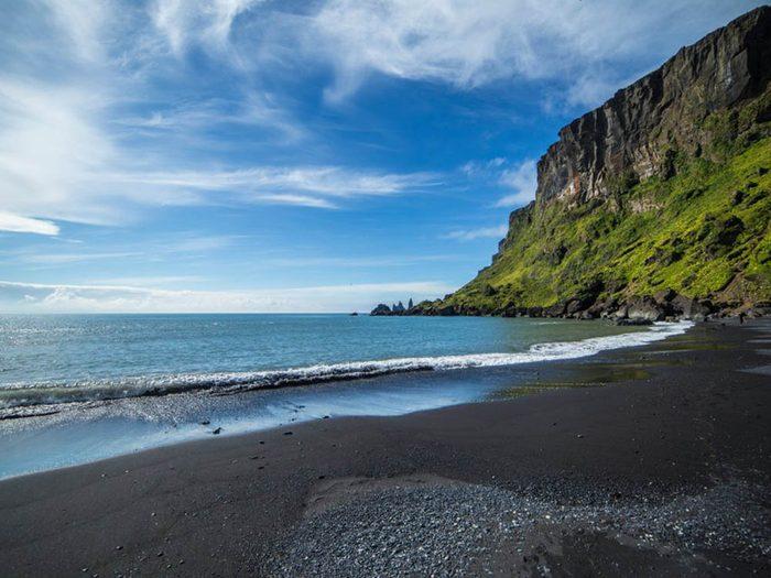 Plus belle plage du monde: Reynisfjara Beach.