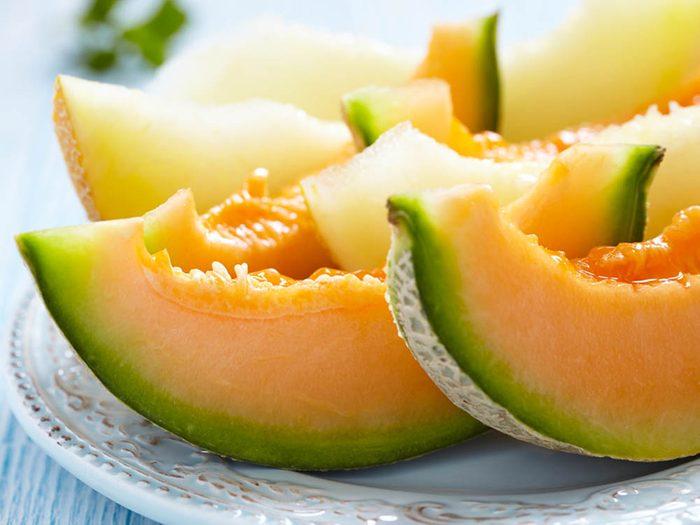 Pour avoir un ventre plat, mangez du melon comme collation.