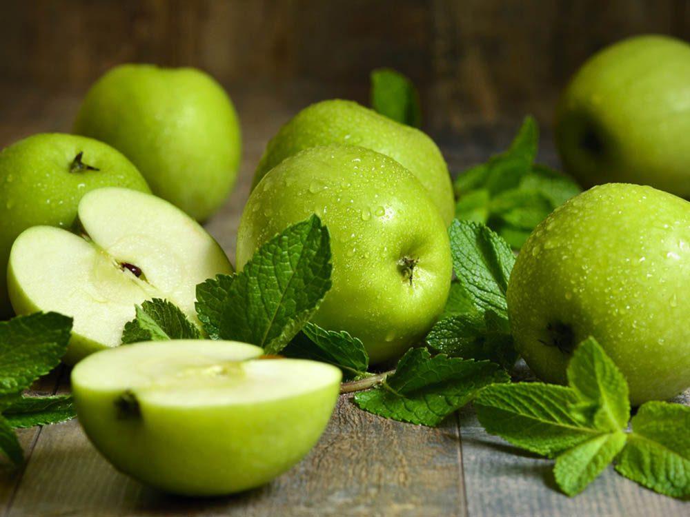 Pour avoir un ventre plat, reniflez de la menthe, de la pomme et des bananes.