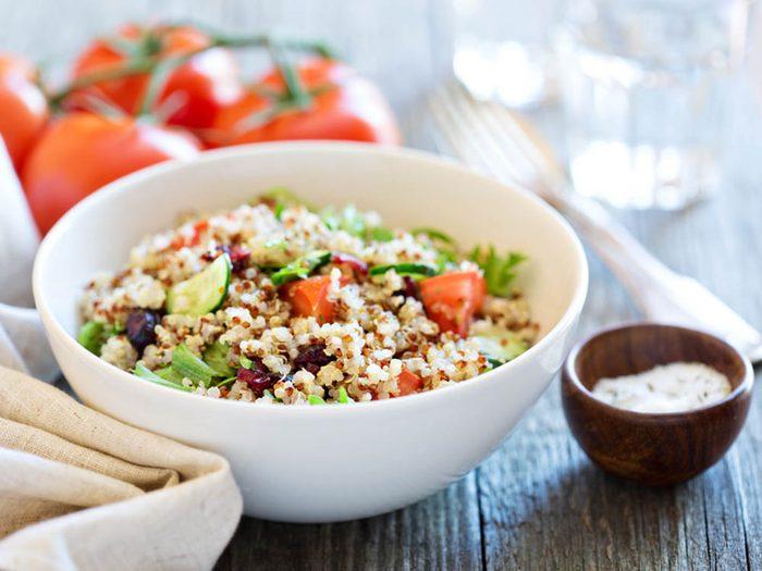 Pour avoir un ventre plat, mangez du quinoa.