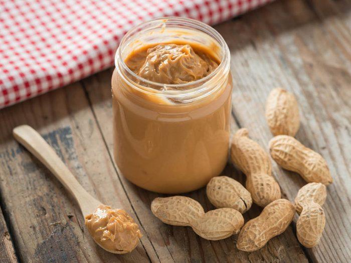 Aliments brûle-graisses: le beurre d'arachide.