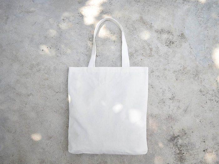 Avant cet automne, rangez le fouillis de votre sac fourre-tout.