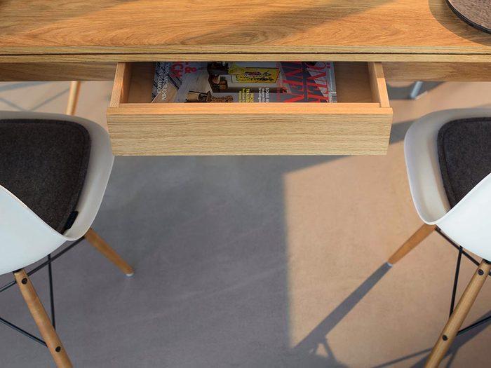 Rangez dans votre bureau à la maison ce dont vous avez souvent besoin.