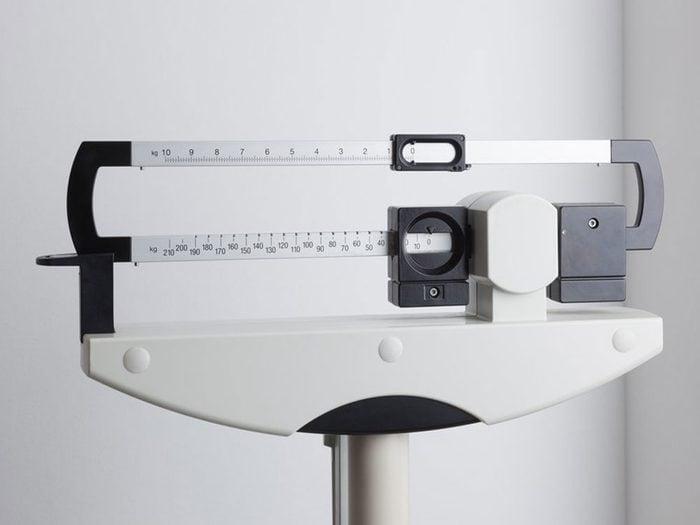 La perte de poids sans raison pourrait être un symptôme du cancer du pancréas.