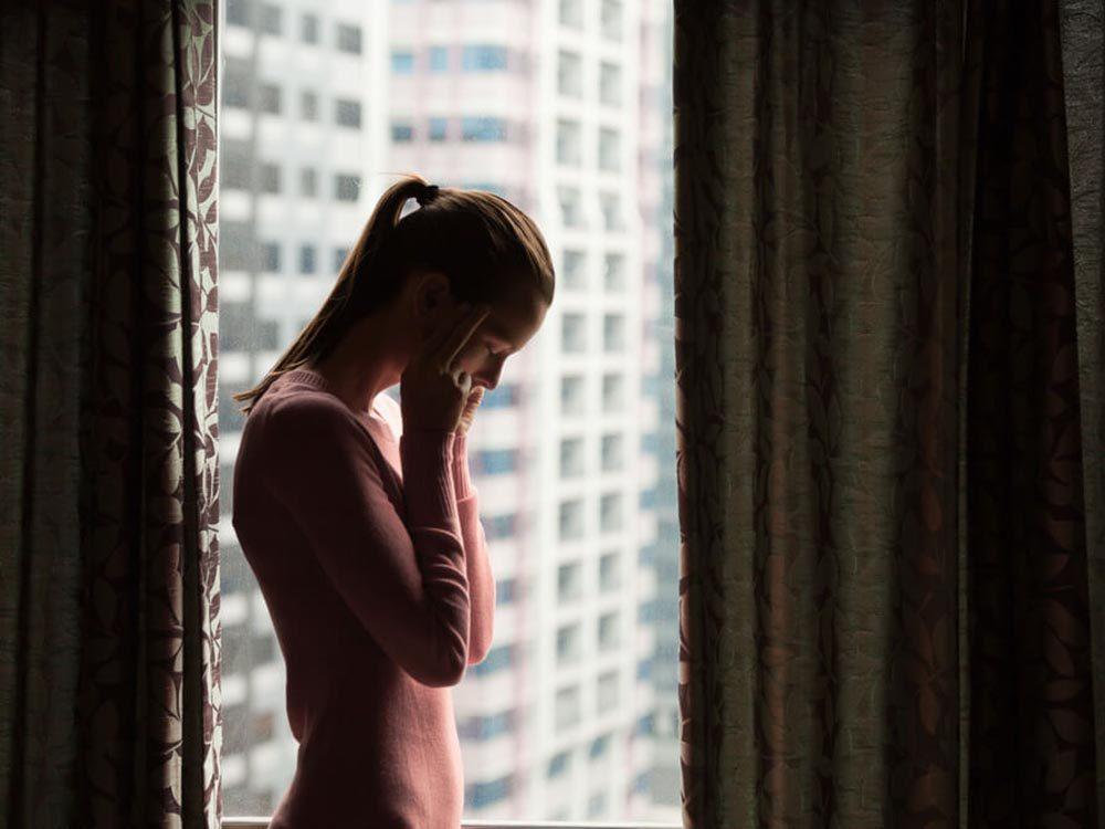 Trop de solitude peut causer une crise de panique.
