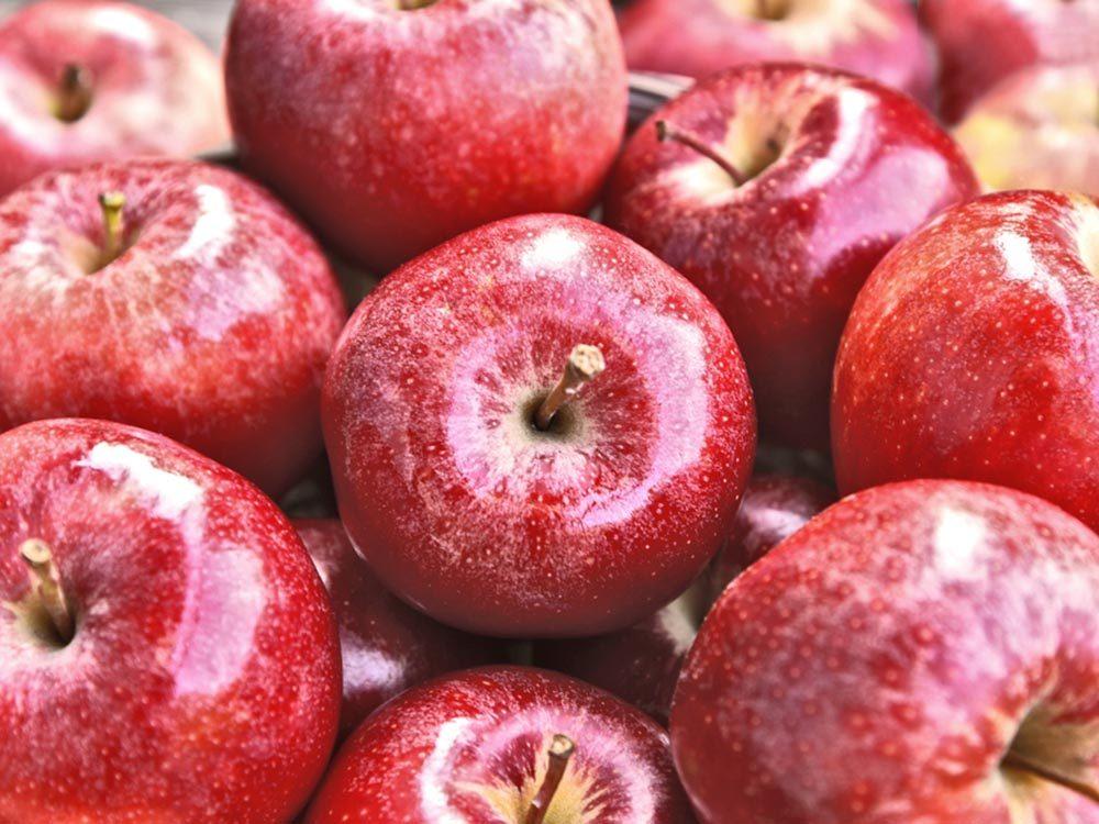 Fait insolite: Les pommes de supermarché peuvent avoir été cueillies un an auparavant.