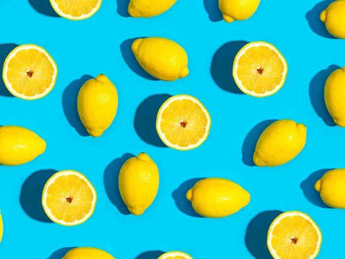 Fruits et légumes frais: pour conserver les citrons, évitez de les couper en deux.