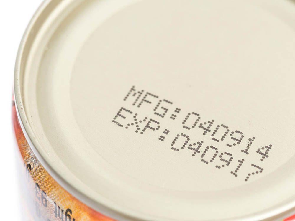 Gaspillage alimentaire: ne soyez pas obsédé par la date d'expiration.