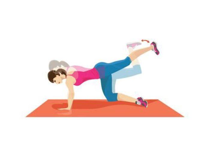 La pompe et l'extension des hanches pour raffermir.