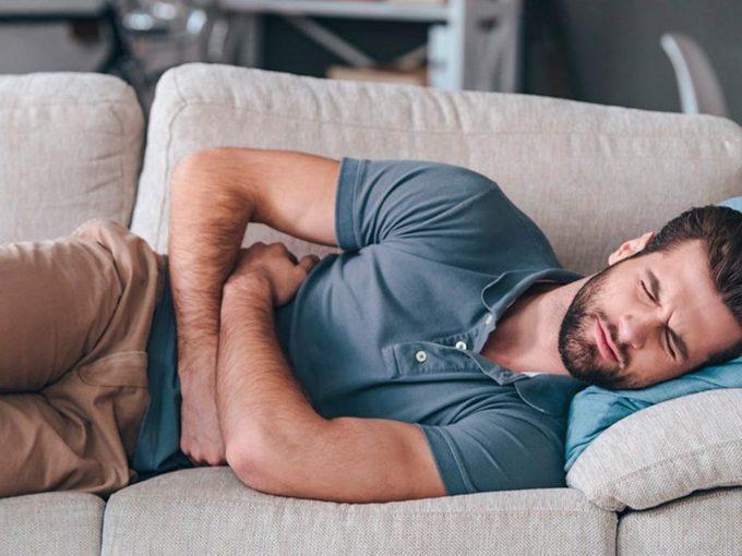 Un mal de ventre peut cacher une méningococcie.