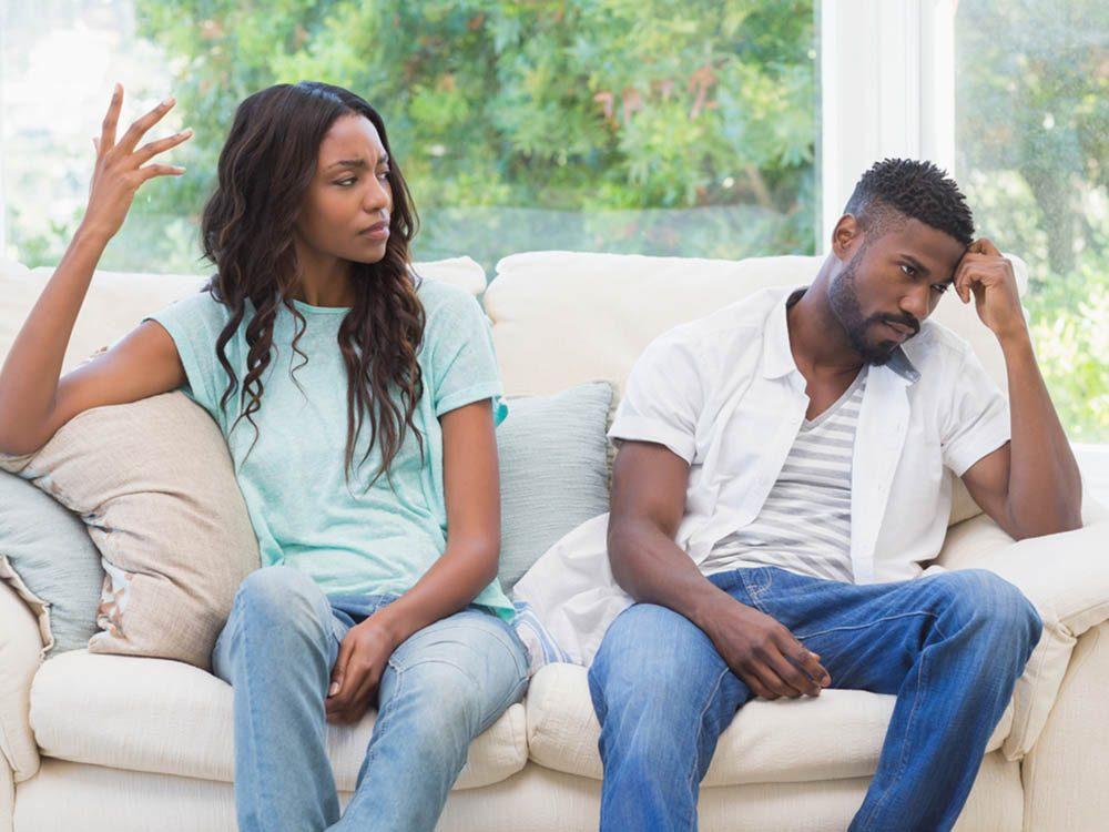 Une personne qui veut vous manipuler déforme vos paroles et rend toute discussion difficile.
