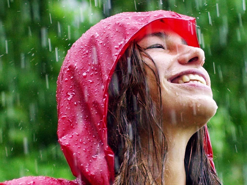 Même un présentateur météo peut être surpris par la pluie.