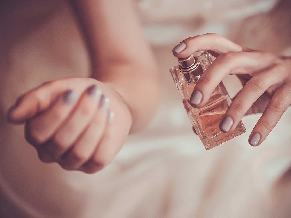 Pour avoir une peau saine: ne portez pas de parfum au soleil.