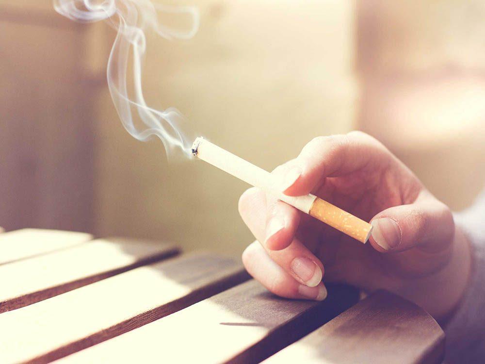 Pour avoir une peau saine: évitez la cigarette.