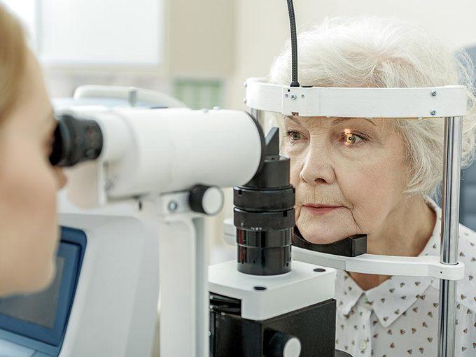 La perte d'acuité visuelle peut entrainer un déclin cognitif.