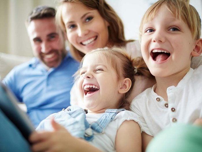 Géliophobie: la peur du rire.