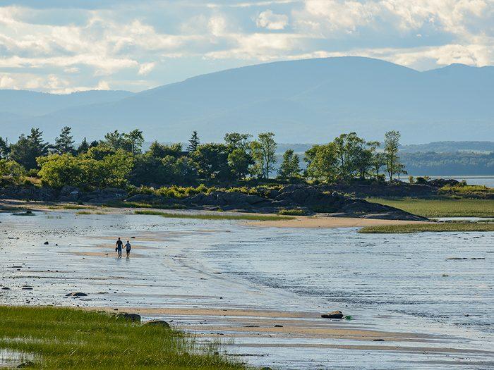 La plage de Berthier-sur-Mer en Chaudière-Appalaches fait partie des plus belles plages du Québec.
