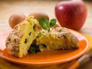 La meilleure recette d'omelette au fromage et aux pommes