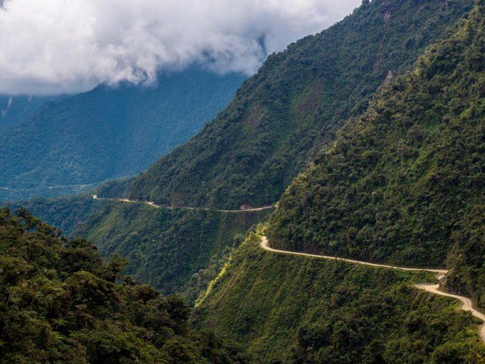 L'une des routes les plus dangereuses du monde se trouve en Bolivie.