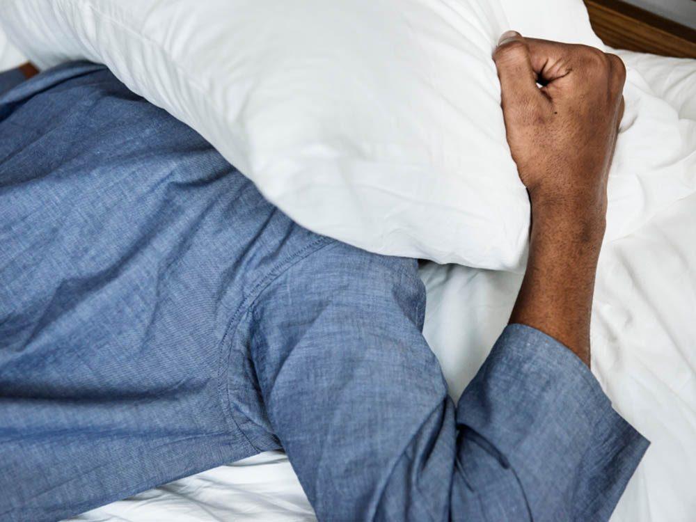 Santé des hommes: les problèmes de sommeil peuvent provenir d'une dépression.