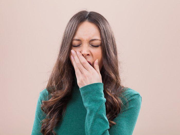 Une septicémie peut causer de la somnolence.