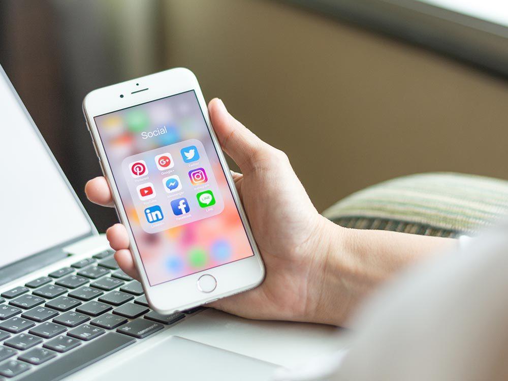 Les applications de votre téléphone intelligent enregistrent aussi vos informations.