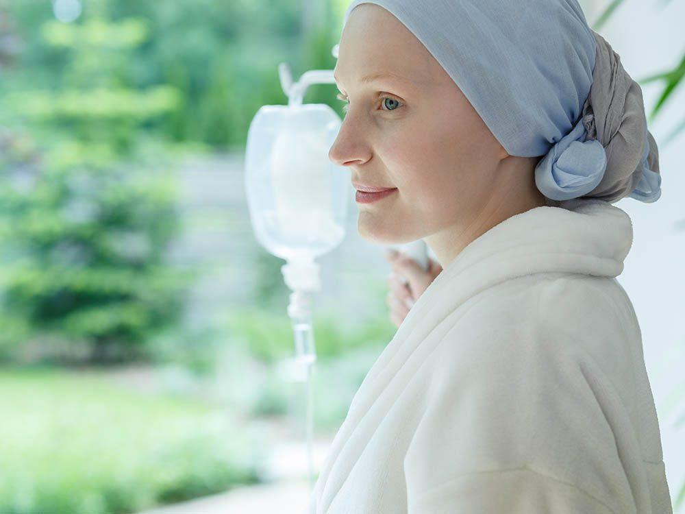 Des traitements permettent aux personnes atteintes de cancer à un stade avancé de survivre plus longtemps.