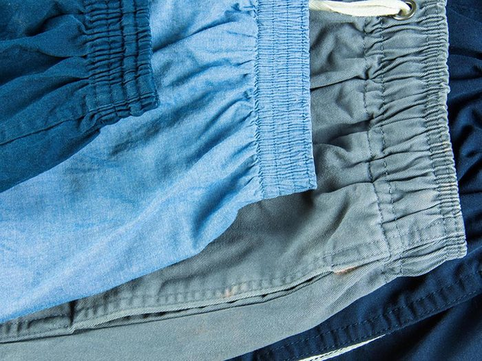 Ce qui peut vous vieillir: les pantalons à ceinture élastique.