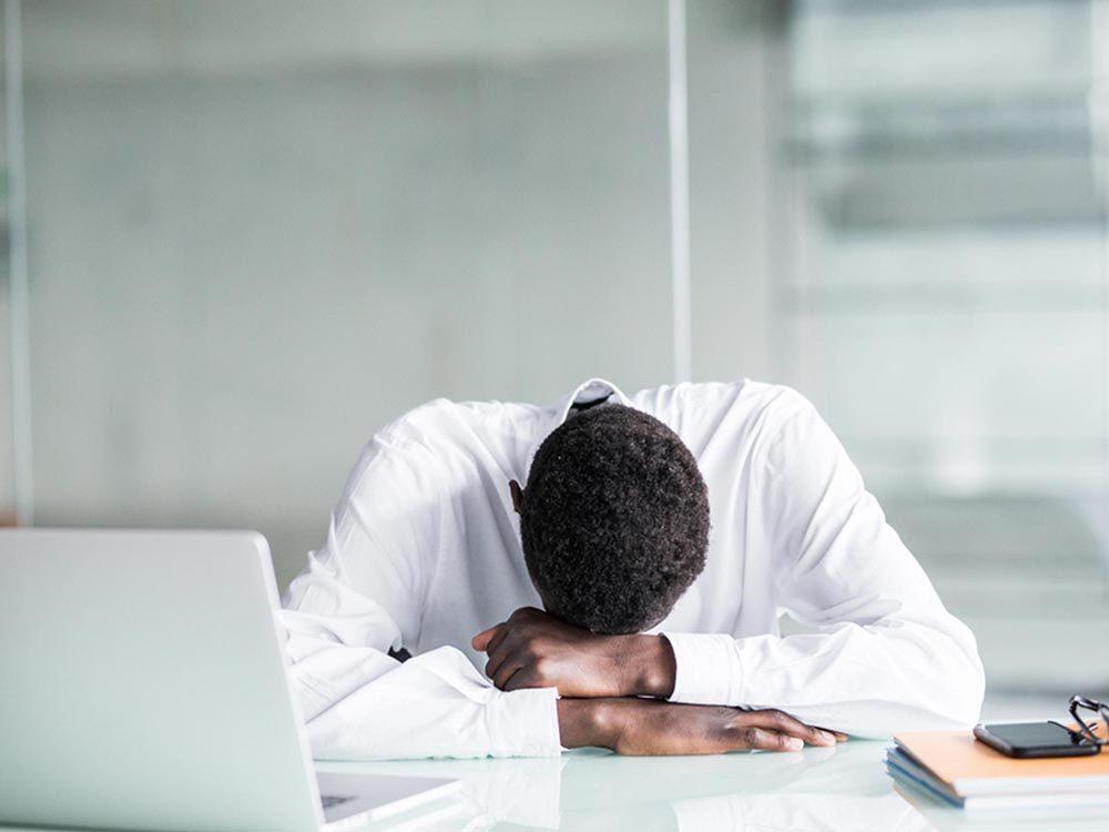 Ce qui peut vous vieillir: stresser constamment.