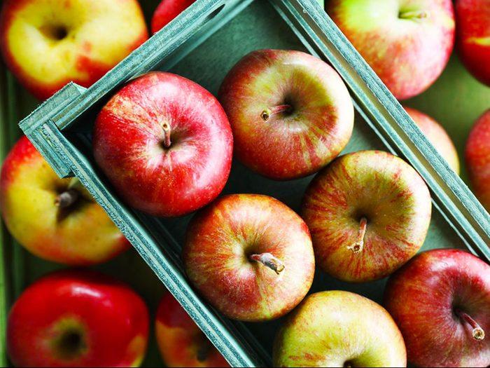 Les pommes font parties des fruits et légumes d'automne.