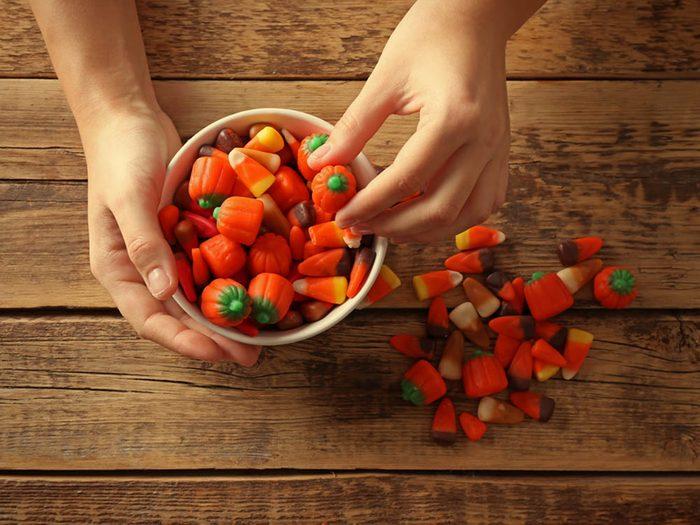 En automne, goutez de nouveaux bonbons de maïs.